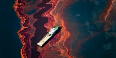 Daniel Beltrá's Amazing Photos: See the BP Oil Spill Like Never Before