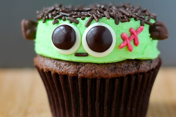 Frankenstein-Cupcakes-from-Your-Cup-of-Cake