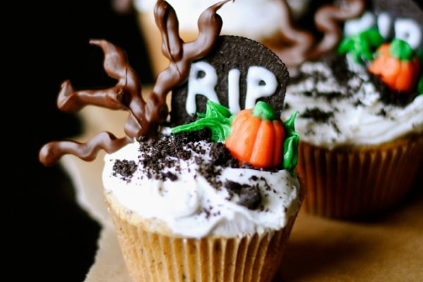 Graveyard-Cupcakes-from-How-To-Simplify