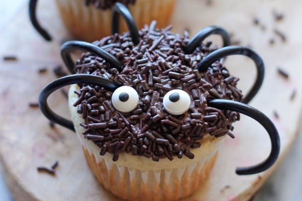 Halloween-Spider-Cupcakes-from-Damn-Delicious