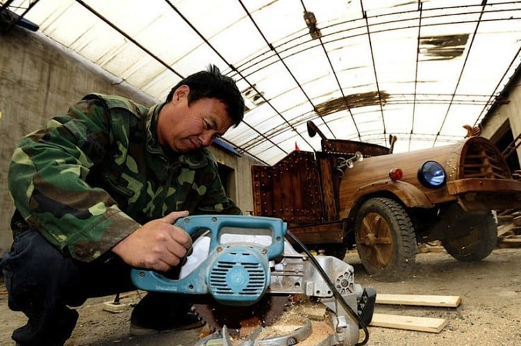 An Electronic Wooden Car Homemade by Carpenter Liu Fulong in China -wooden, handcraft, china, cars, auto