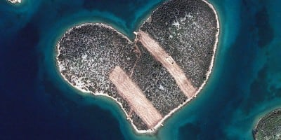 Stunning Photographs of Islands Taken from Space