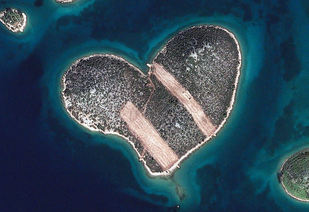 Stunning Photographs of Islands Taken from Space -ocean, nature, islands