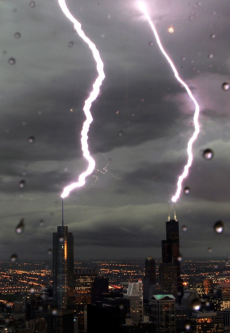 15 Most Incredible Skyscrapers Being Struck by Lightning -skyscraper, lighting, architecture