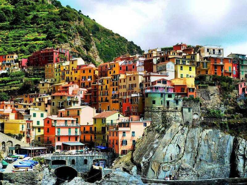Vernazza Italy Top 15 Most Stunning Cliff Side Towns And Villages