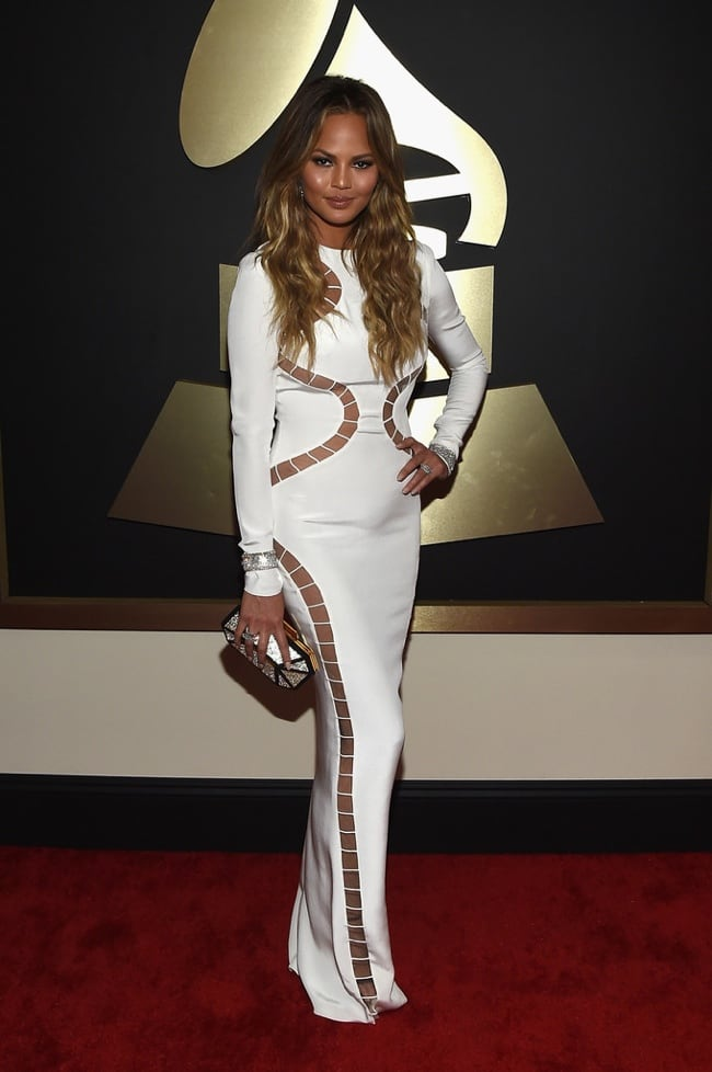 chrissy-teigen-emilio-pucci-white-dress-grammys-2015