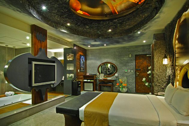 Eden Motel In Taiwan Has a Room Entirely Dedicated to Batman -interior, hotel