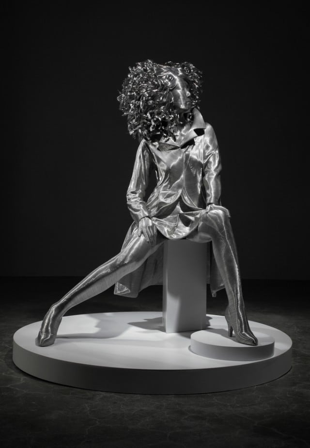 Aluminium-Wire-Sculpture_14-640x924