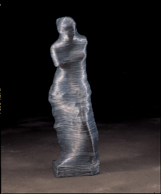 Aluminium-Wire-Sculpture_2-640x771