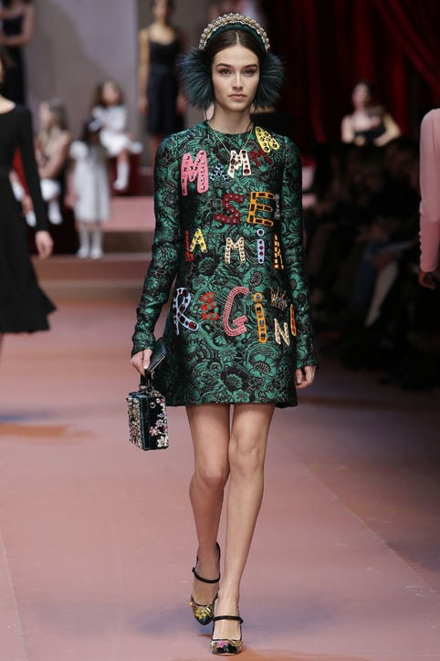 dolce-gabbana-mama-my-queen-dress-fall-2015-runway-h724