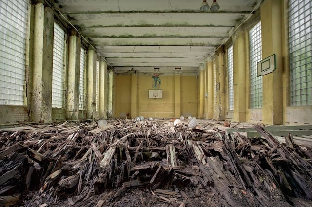 Abandonned-Soviet-Buildings-by-Rebecca-Litchfield13