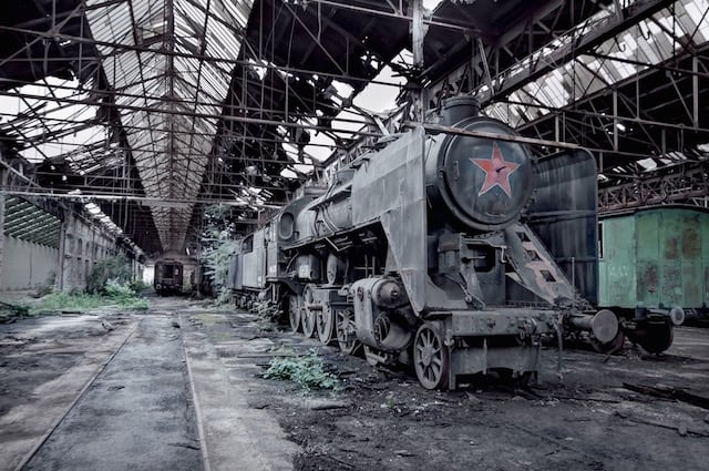 Abandonned-Soviet-Buildings-by-Rebecca-Litchfield6