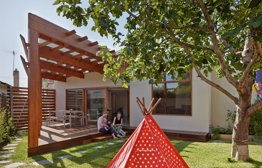Crib and Chock House extension of residence by Windust Architects - HomeWorldDesign (11)
