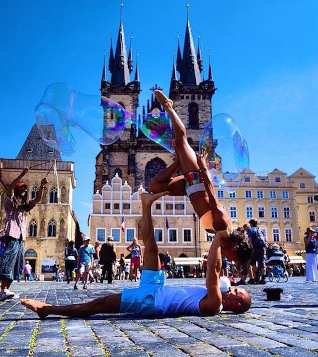 Gravity-Defying-Yoga-Poses-In-Photos_13