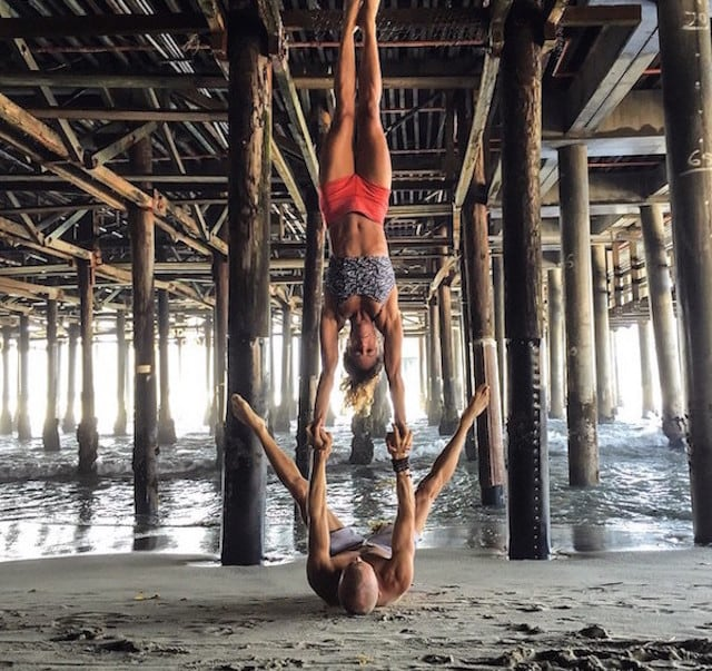Gravity-Defying-Yoga-Poses-In-Photos_14