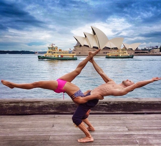 Gravity-Defying-Yoga-Poses-In-Photos_15