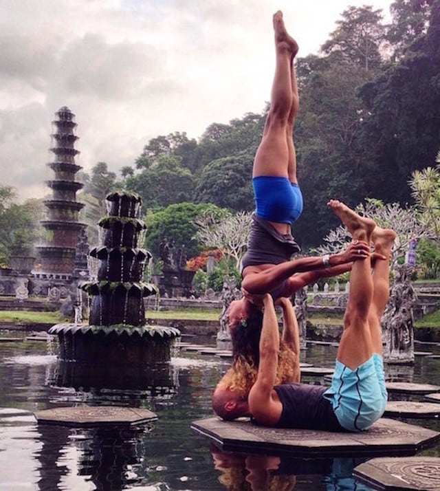 Gravity-Defying-Yoga-Poses-In-Photos_6