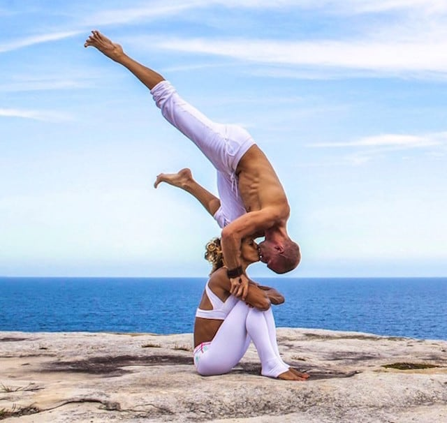 Gravity-Defying-Yoga-Poses-In-Photos_7