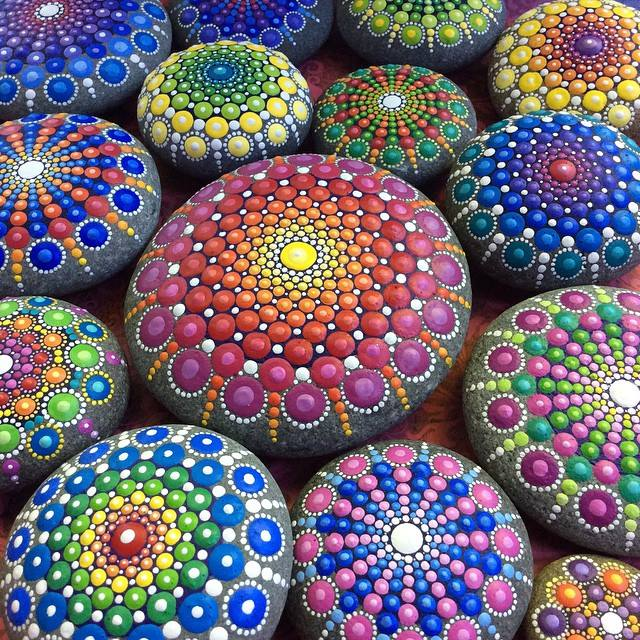 Ocean-Stones-Covered-in-Colorful-Tiny-Dots_7
