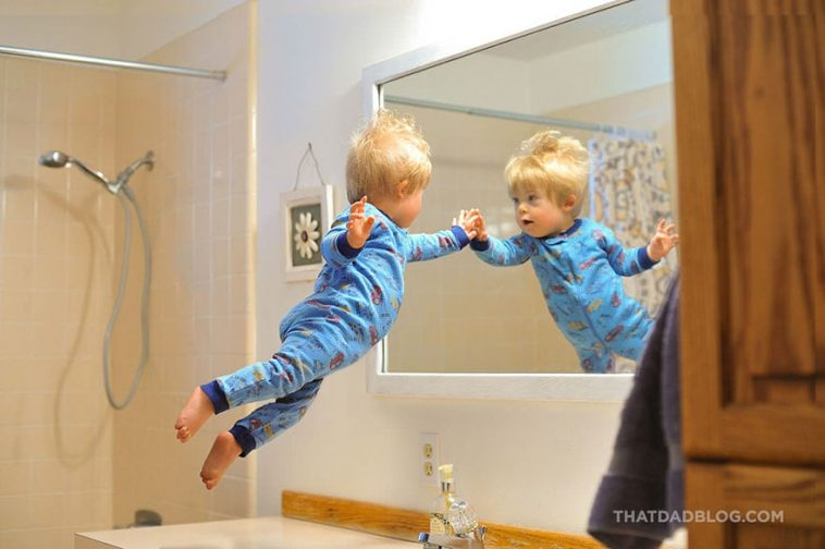 """Dad Makes His Son With Down Syndrome """"Fly"""" In Heartwarming Super-Hero Photo Series -photo-series, photo-project"""
