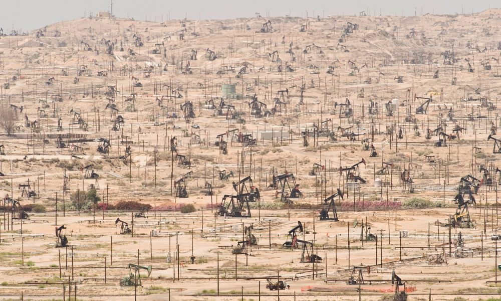 kern-oil-field-california