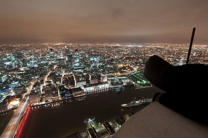 mWbz1or - 25 Illegal Photographs That Urban Climbers Risked Their Lives To Take