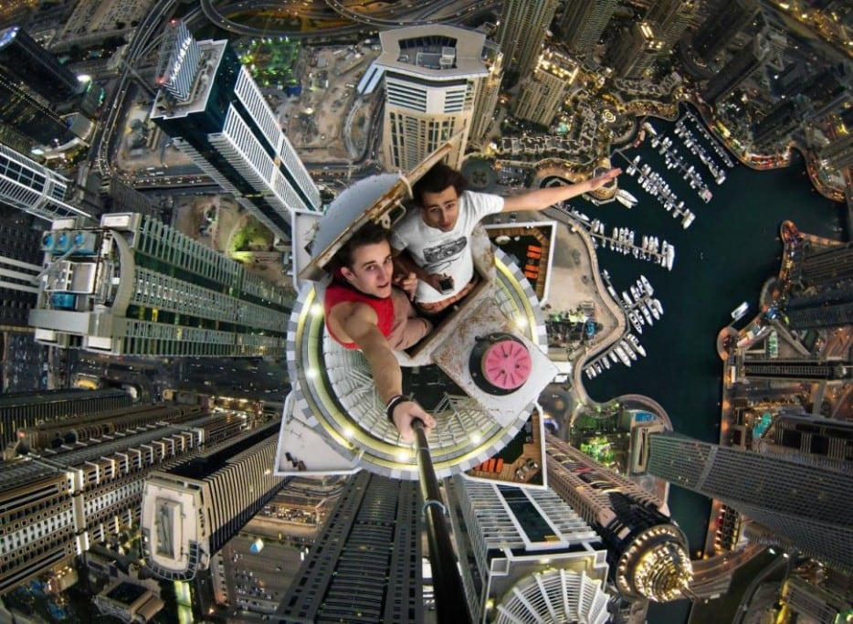 mbUIMBa - 25 Illegal Photographs That Urban Climbers Risked Their Lives To Take
