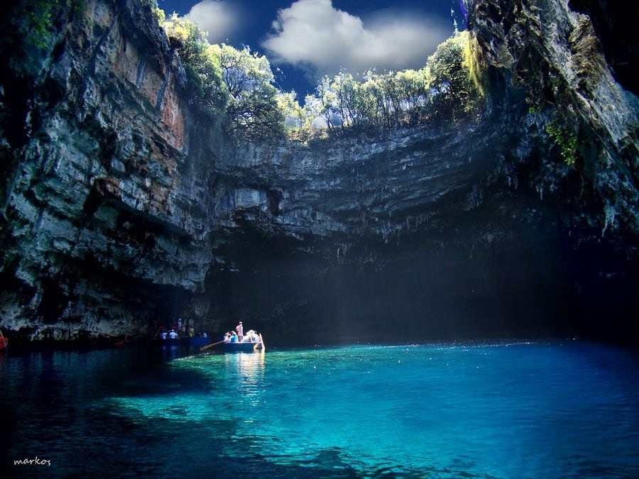 melissani_lake_greece_