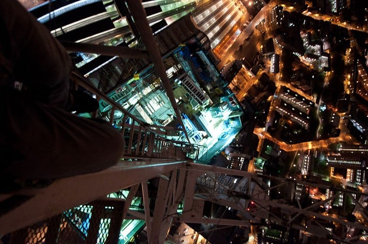 zxEdXBd - 25 Illegal Photographs That Urban Climbers Risked Their Lives To Take