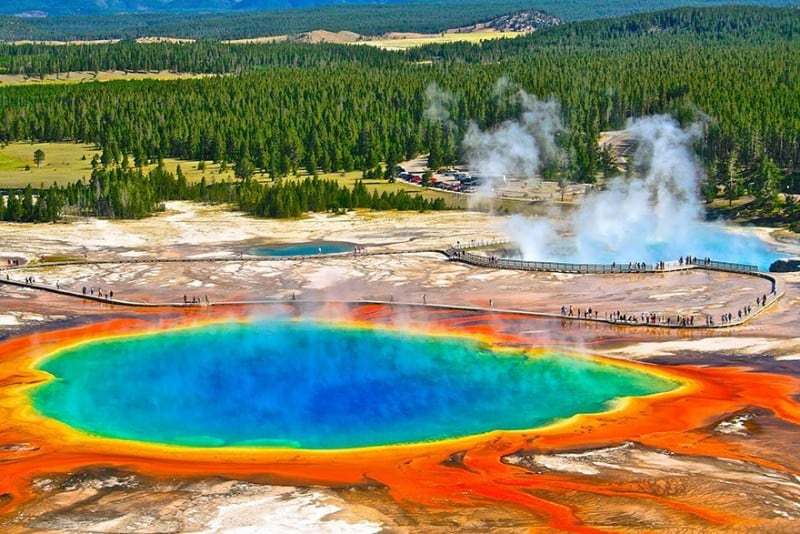 Source: Heidrun Homburg {link: http://500px.com/photo/83814177/grand-prismatic-spring-by-heidrun-homburg?from=user}