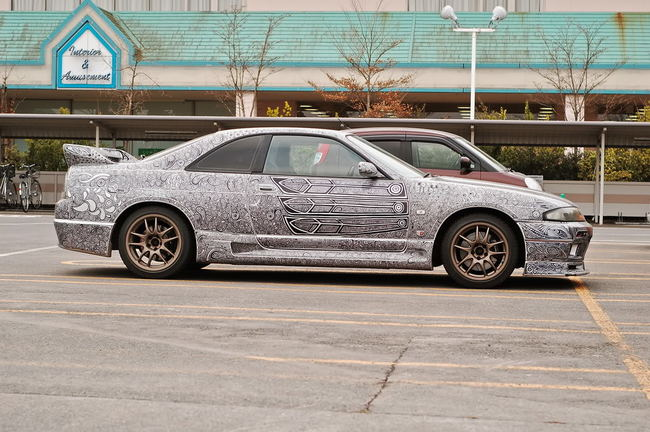 27389c49c861e12ef9afdbc32a969713 650x - Artist Paints Her Husband's Ride In Sharpie Doodles
