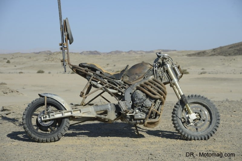 mad_max_fury_road_moto_frd-32393
