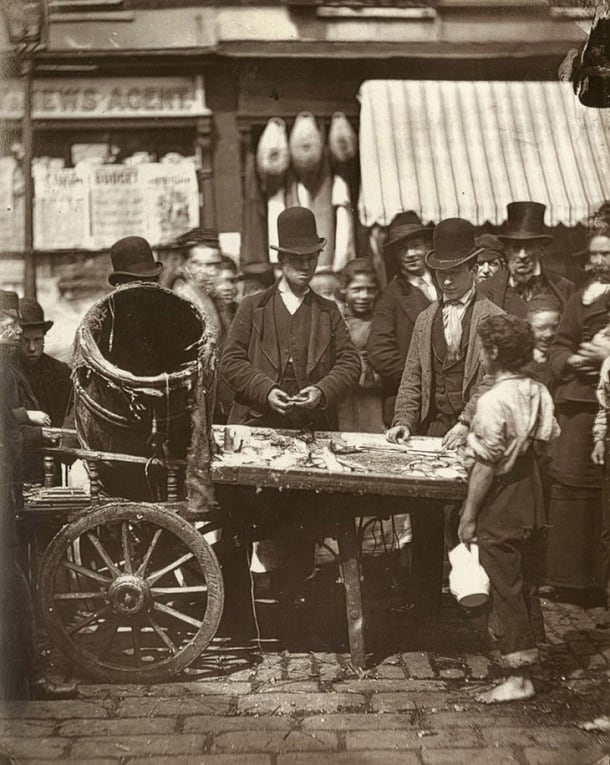 Historic Photos Of Street Life In London 1876-1877 -streets, photo-project, london, history, black and white