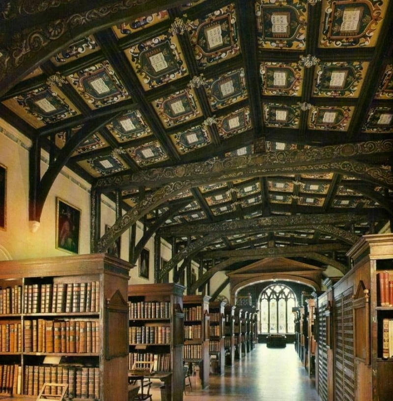 The 10 Best Places To Be If You Love Books -books