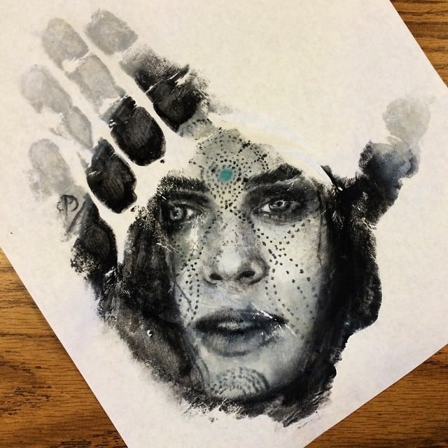 Artist Creates Beautiful Realistic Portraits on His Hand and Stamps Them on Paper -hands, drawings