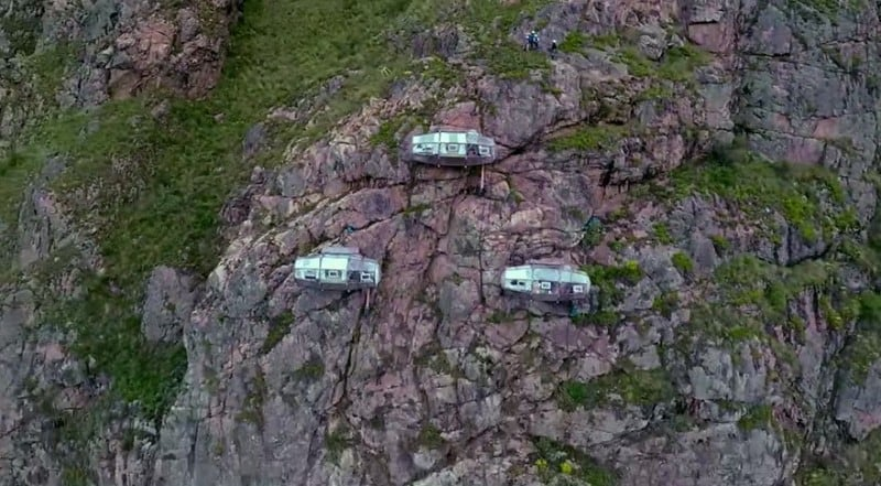 scary-see-through-suspended-pod-hotel-peru-sacred-valley-82