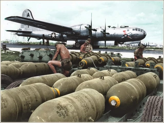 """Boeing B-29 Superfortress 42-24592 """"Dauntless Dotty"""" 869th Bomb Squadron, 497th Bomb Group, 73rd Bomb Wing, 20th Air Force. 24th of November 1944. (Source 'Life' Magazine. Colorized by Leo Courvoisier from Argentina)"""