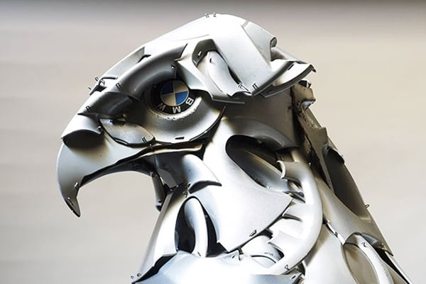 hubcap-sculpture-bird