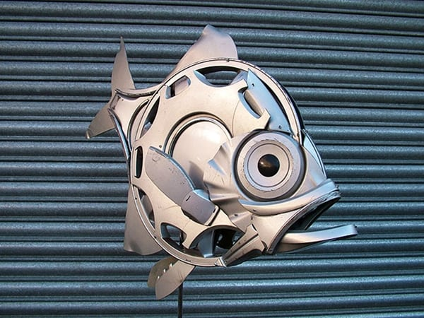hubcap-sculpture-fish