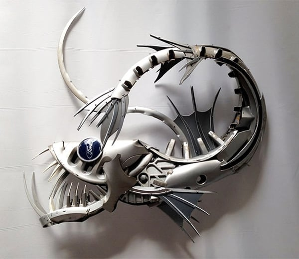 hubcap-sculpture-scary-fish