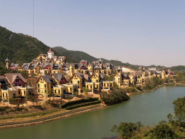 China Has A Mission To Create Copies Of The World's Most Iconic Cities -city, china