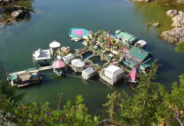 self-sustaining-off-grid-house-freedom-cove-wayne-adams-_004