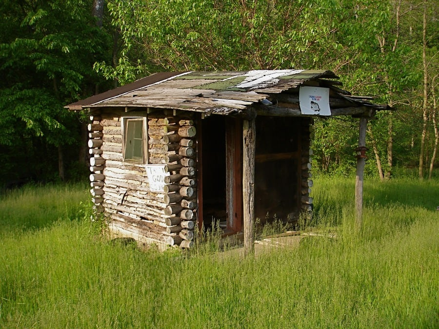 the-most-beautiful-abandoned-cabins-waiting-for-owners-to-come-23