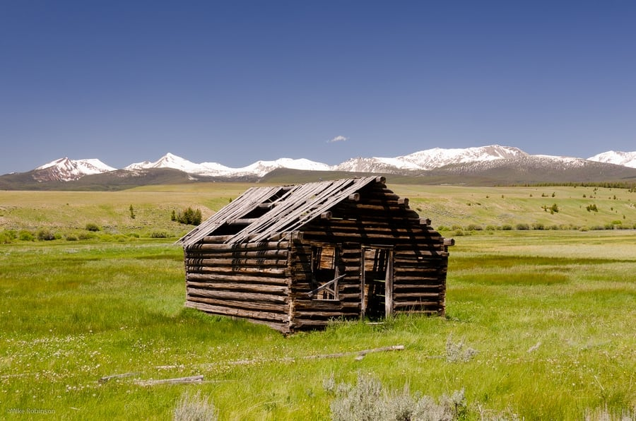 the-most-beautiful-abandoned-cabins-waiting-for-owners-to-come-35