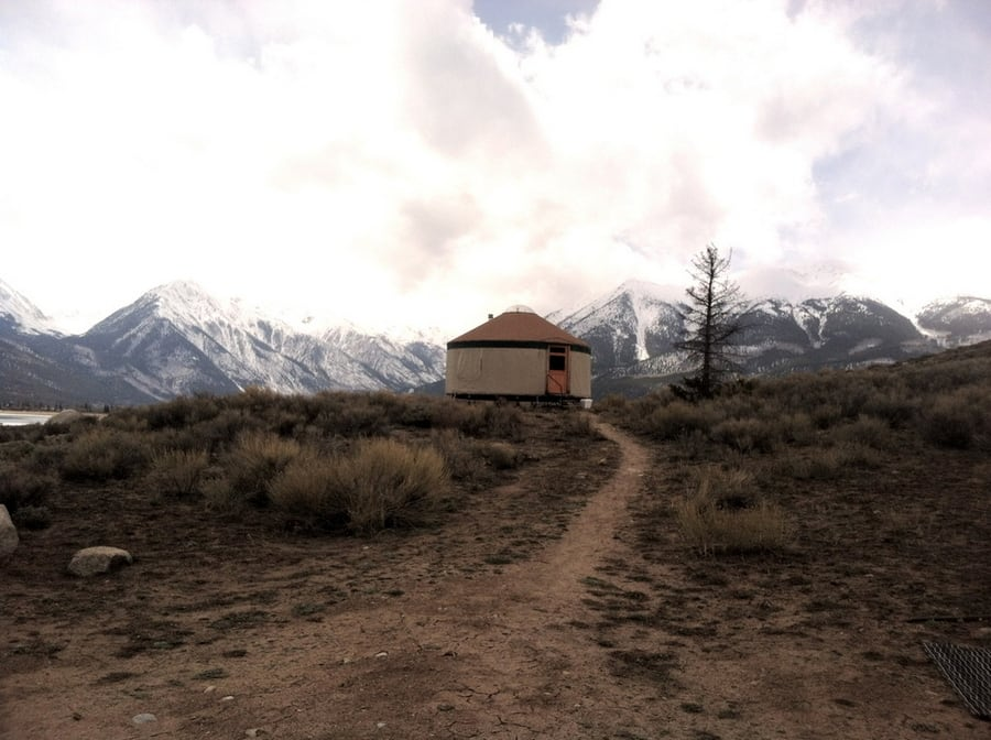 the-most-beautiful-abandoned-cabins-waiting-for-owners-to-come-4