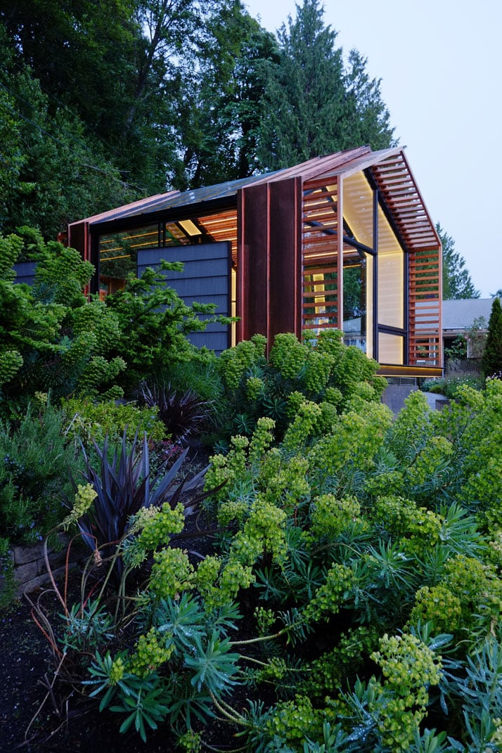 10_Garage_Cabin_Washington_Greypants