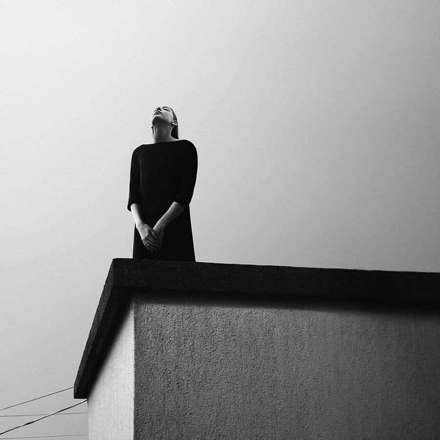 162 - Surreal Black and White Self-Portraits by Noell Oszvald