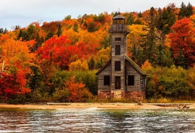 Grand-Island-East-Channel-Light-House-Michigan-1