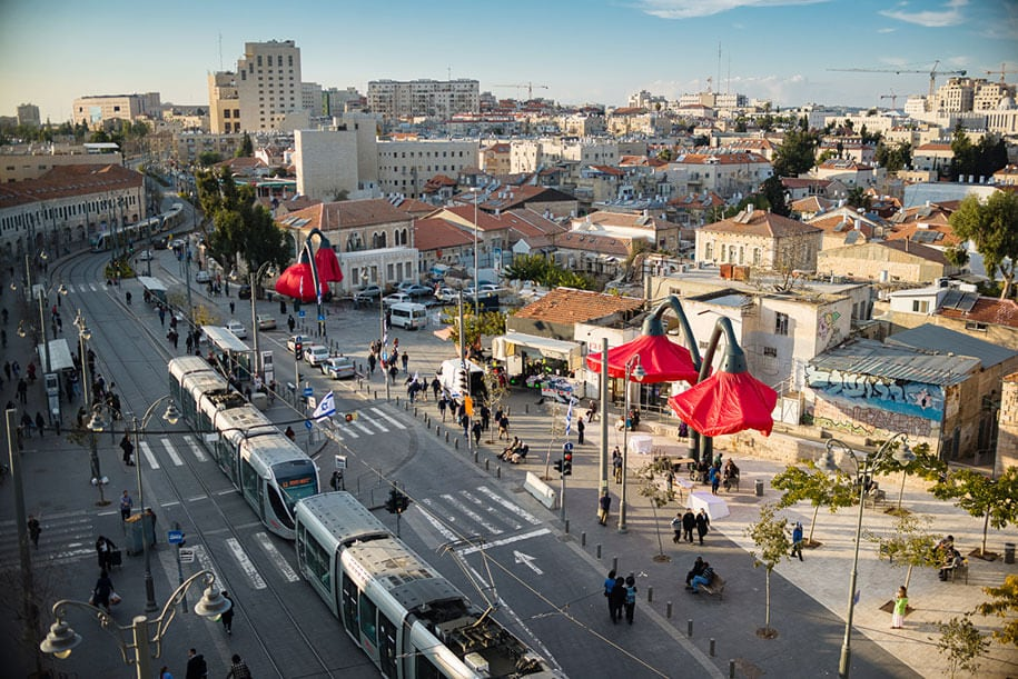 motion-activated-inflating-flowers-warde-hq-architects-jerusalem-3