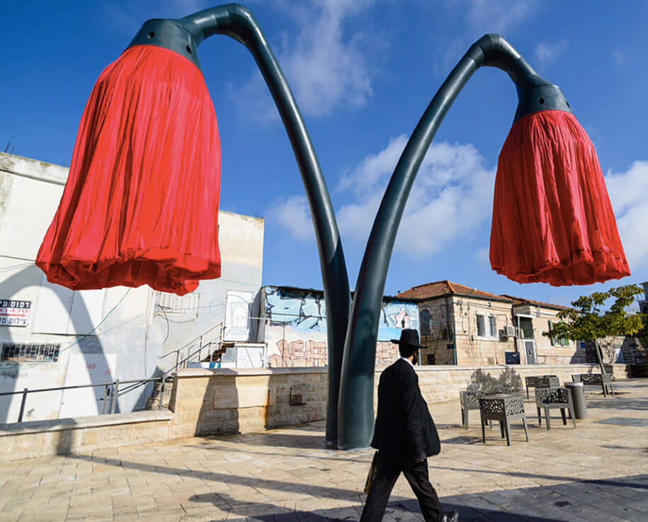 motion-activated-inflating-flowers-warde-hq-architects-jerusalem-5